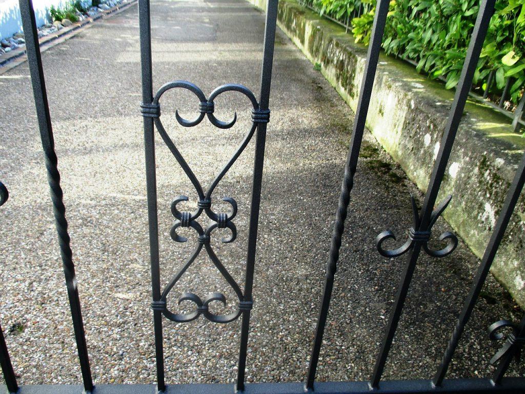 Der Gartenzaun aus Metall ein Garant für Qualität Bauen